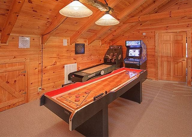 Top 5 Benefits of Staying in Our Pigeon Forge Cabins with Game Rooms