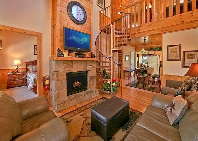 The living room of Golfers Getaway, one of our Pigeon Forge vacation rentals.