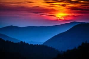 Beautiful sunset in the mountains near our large cabins in Gatlinburg and Pigeon Forge.