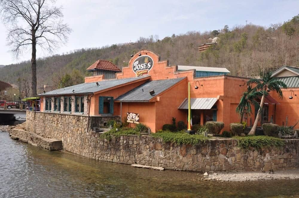 5 Great Restaurants In Gatlinburg Tn The Whole Family Will Love