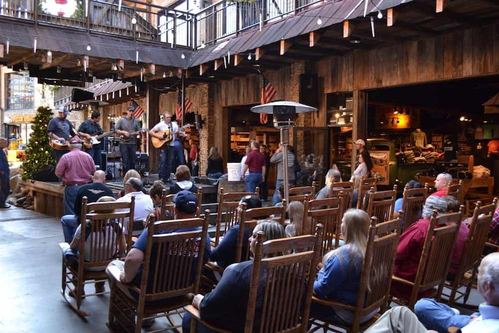 live entertainment at ole smoky